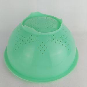 Vintage Tupperware pasta strainer